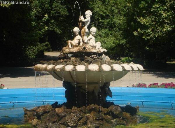 Фонтан в парке города Варны