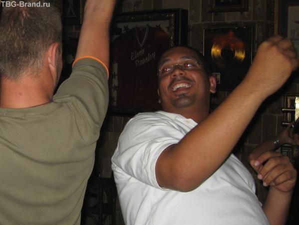 Любовь - морковь! Это произошло в мае этого года в Египте. Любовь нечаянно нагрянула..... И это не я а мой друг:))))