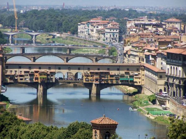 Флоренция. Река Арно Золотой мост