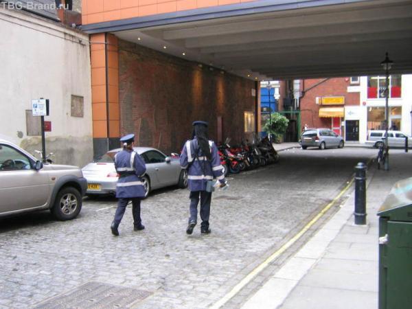 Местная полиция.