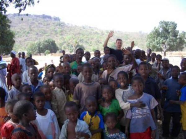 Сорвали уроки в школе. Матагания - та самая деревня, ге у проводника живет мама.