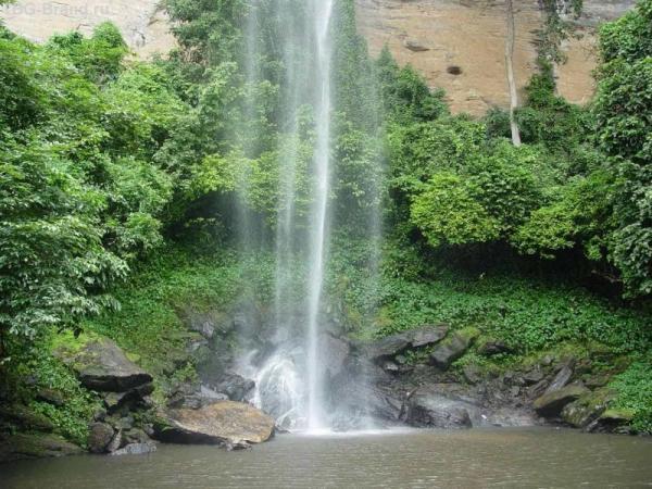 Водопад Voile de la Marie.