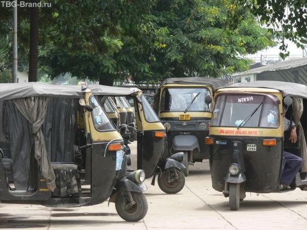 таксисты у вокзала