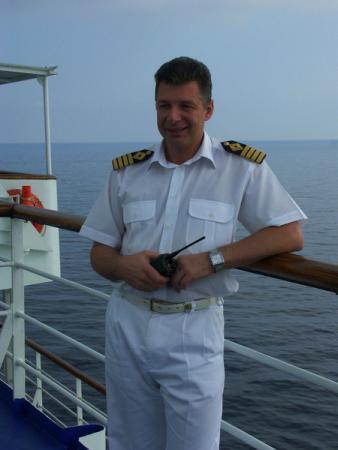 Валерий Васильевич Плачинда - капитан круизного судна Ван Гог