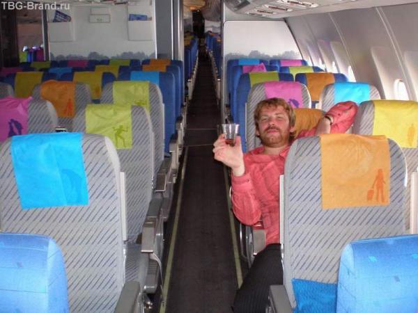 я одинокий, но с самолетом!
