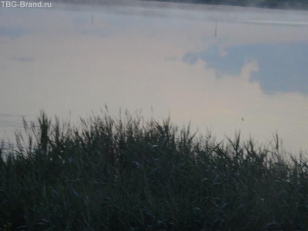 Над озером туман 5 утра Я в дороге..