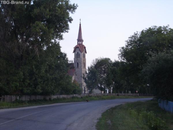 Древний костел в селе Лосяч