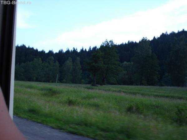 В горах темнеет быстро.