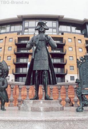 Памятник Петру Великому. На Темзе.