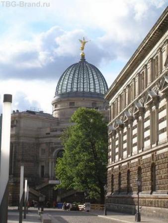 Дрезден, чей-то купол
