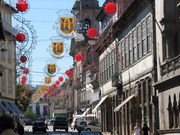 Улица, ведущая к площади Турал