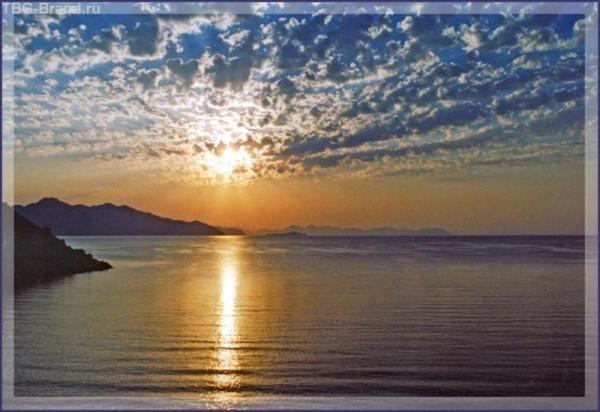 Рассвет над бухтой Турунч