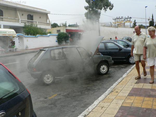 замыкание, искра, дым повалил :(