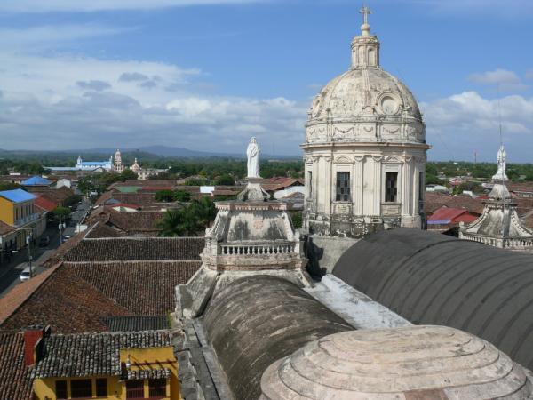 3.Гранада – город церквей и процветающей (в прошлом) торговли.