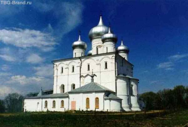 Женский Варлаамо-хутынский монастырь. Здесь захоронен Г.Р.Державин