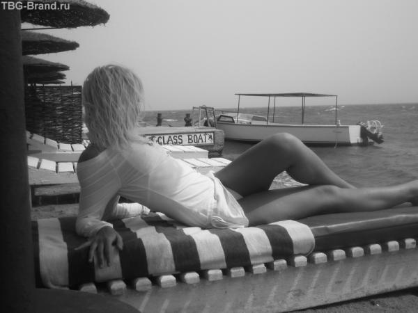 ляжу на пляжу,на море гляжу)