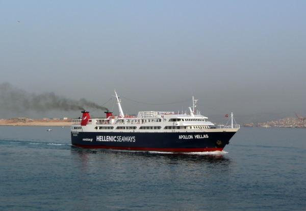В порту Пирей.
