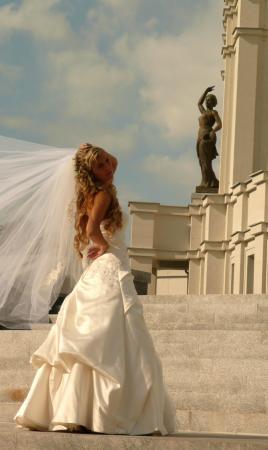Не могу пройти мимо красивой невесты. Особенно в путешествиях :)