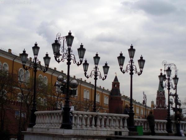 И фонари на Манежной площади будут ждать тебя.