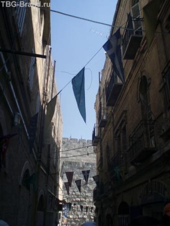 По узким улочкам Армянского квартала...