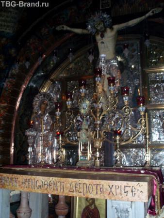 А это - Голгофа. Место где распяли Христа.