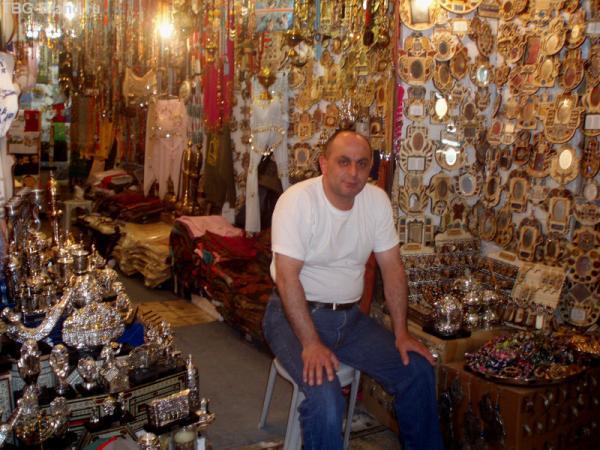 Торговля там ничем не отличается от восточных базаров других городов