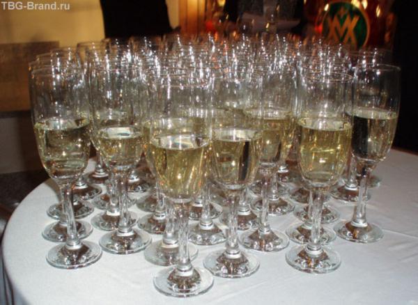 Обещанное шампанское...прохладное, чудное, с пузырьками...
