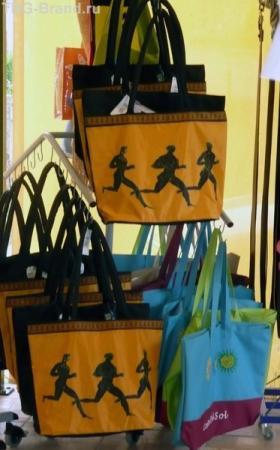 В Олимпии - почти все сувениры с олимпийской символикой!