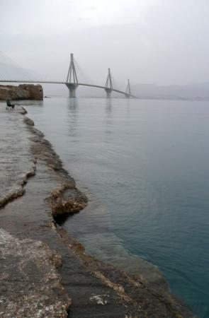 Нас ждет проезд по мосту - вперед, к Дельфам!
