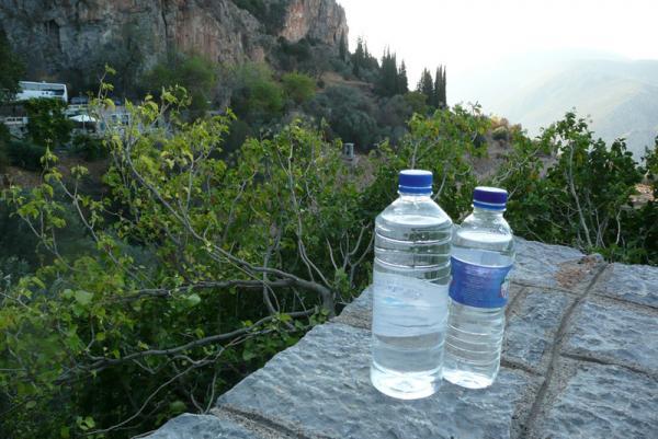 Берем с собой запас воды. Ее уже можно пить - сколько влезет :)