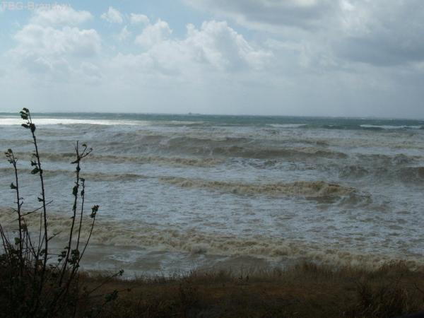 Бушующие могучее море