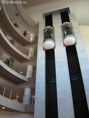 Amara Wing. Лифты