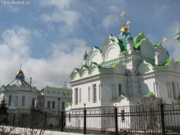 Церковь рядом с феодосийским автовокзалом