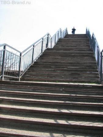 Лестница через железнодорожные пути