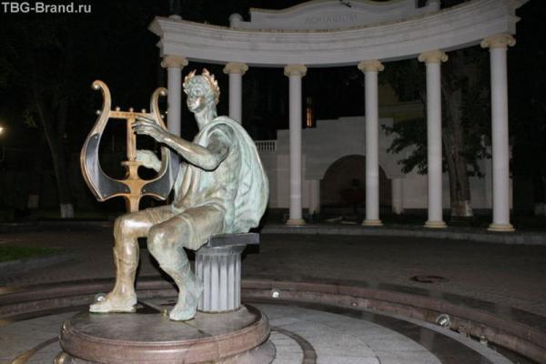 сад Аквариум. Почитать про него можно тут http://www.mossoveta.ru/aquarium/