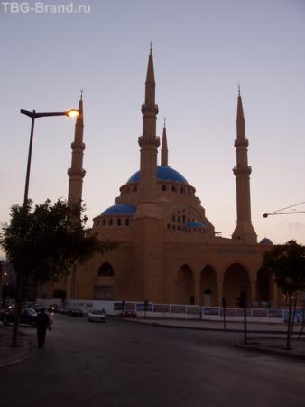 Эту мечеть только построили...и опять разрушили