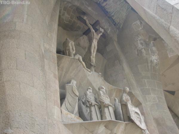Рождественский фасад La Sagrada Familia