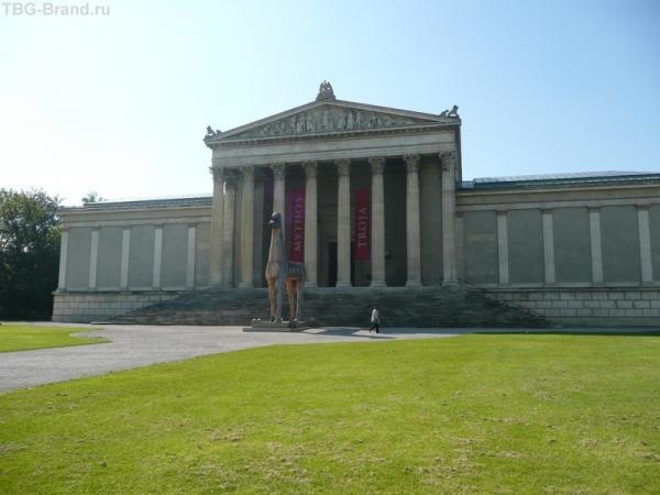 Глиптотека была основана королем Баварии Людвигом I в качестве музея греческих и римских скульптур.