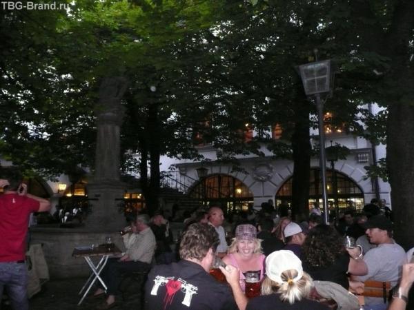 пивной садик в Хофбройхаус