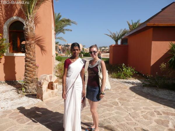 Центр Аюверды, двушка из Индии отлично делает массаж