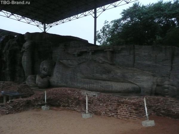 Храм Гал-Вихара