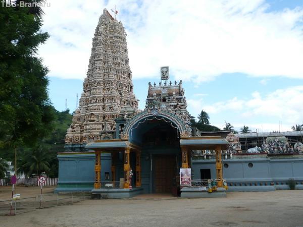 Индуистский храм генешан