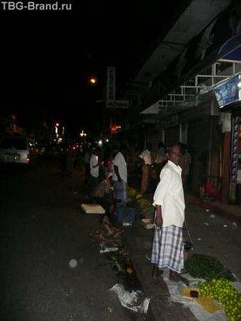 улицы ночного Канди