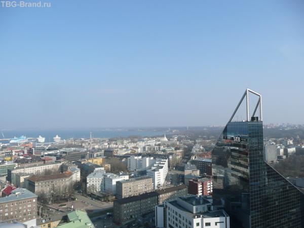 С высоты Рэдиссона вид на порт и Новый город