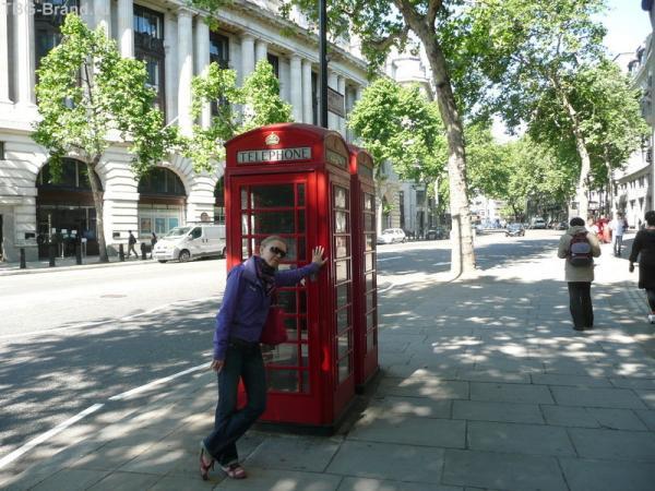 Телефонная будка - символ Лондона
