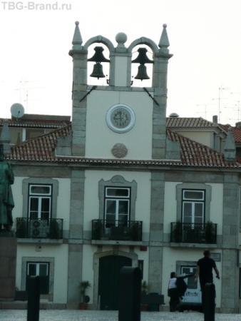 А вот верхние башенки напоминают Санторини