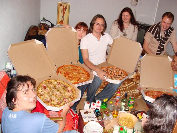 Мы и пиццЫ. :)