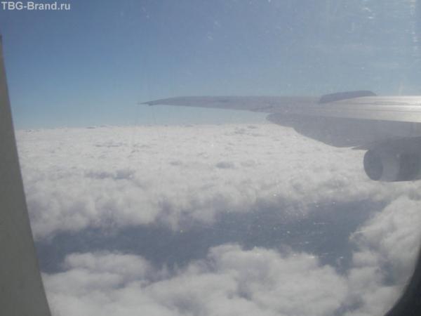Под крылом самолета...
