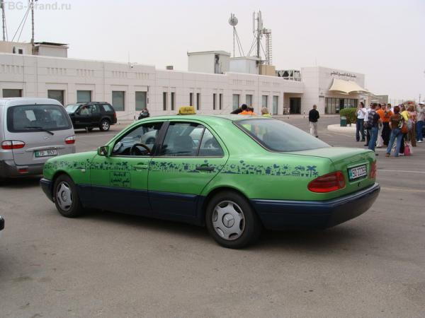 Веселенькие такси Акабы. :)