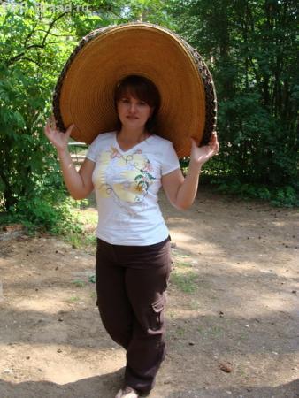Продолжаем фотосессию с шляпой. :) Малибу. )